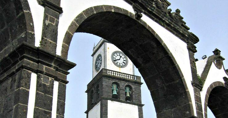 Sao Miguel Ponta Delgada AzorenGuide.de